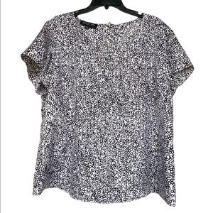 JONES NEW YORK 100% Silk B&W Patterned Blouse